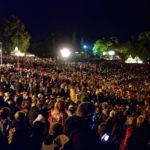 20 Wahre Jahre - Freilichtbühne Publikum Panorama